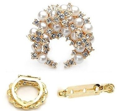 VINTAGE ELEGANT FAUX PEARL CRYSTAL FLOWER BROOCH/SCARF PIN GOLD GIFT